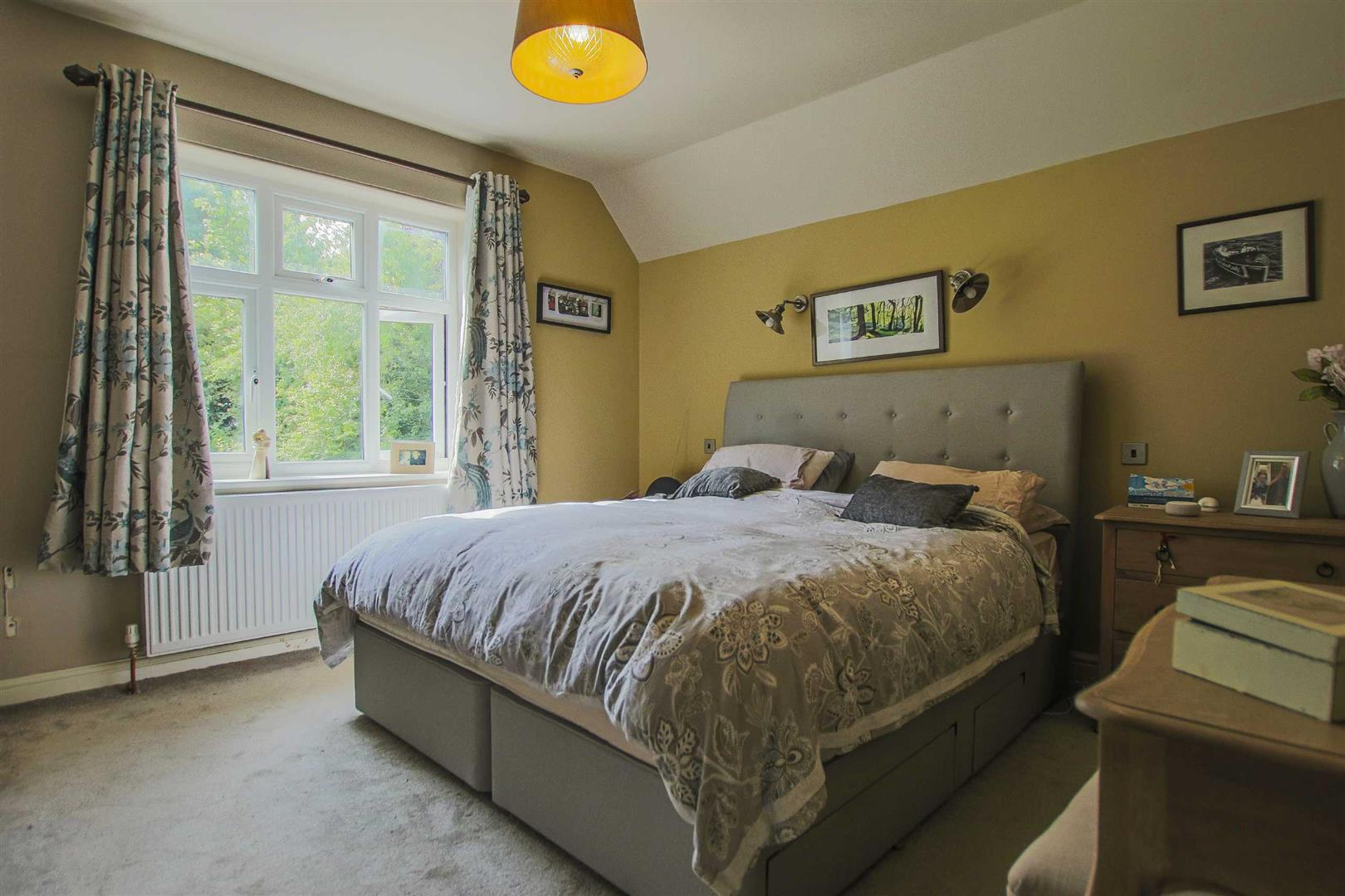 4 Bedroom Detached House For Sale - Image 8